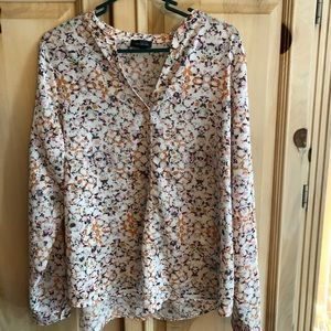 The Limited Spring blouse Sz L $20 perfect cond.